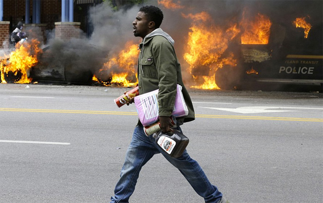 Baltimore riots Ice Tea Pringles looting