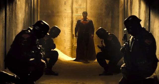 Superman v Batman bow